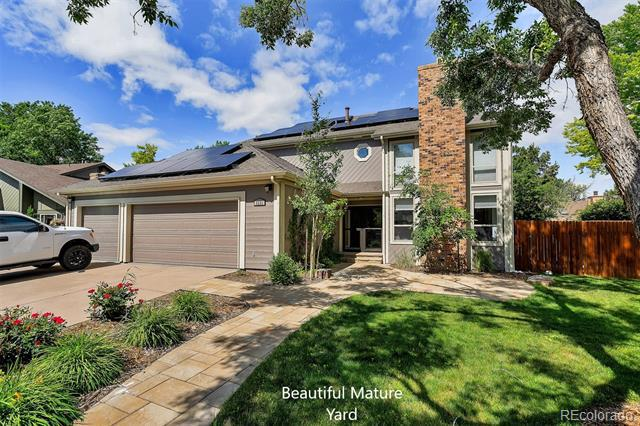Photo of home for sale at 8221 Krameria Way South, Centennial CO