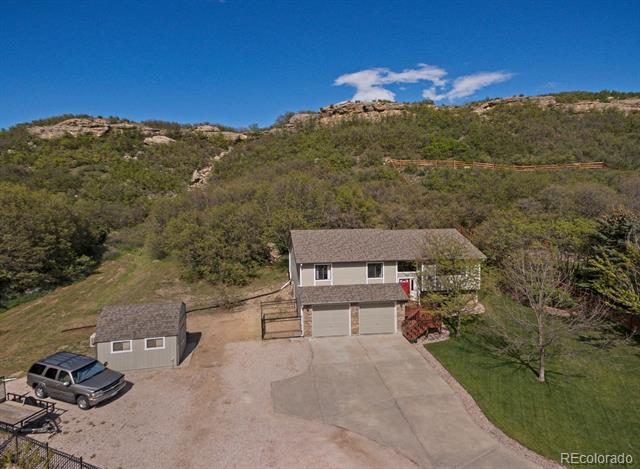Photo of home for sale at 368 Larkspur Drive South, Castle Rock CO