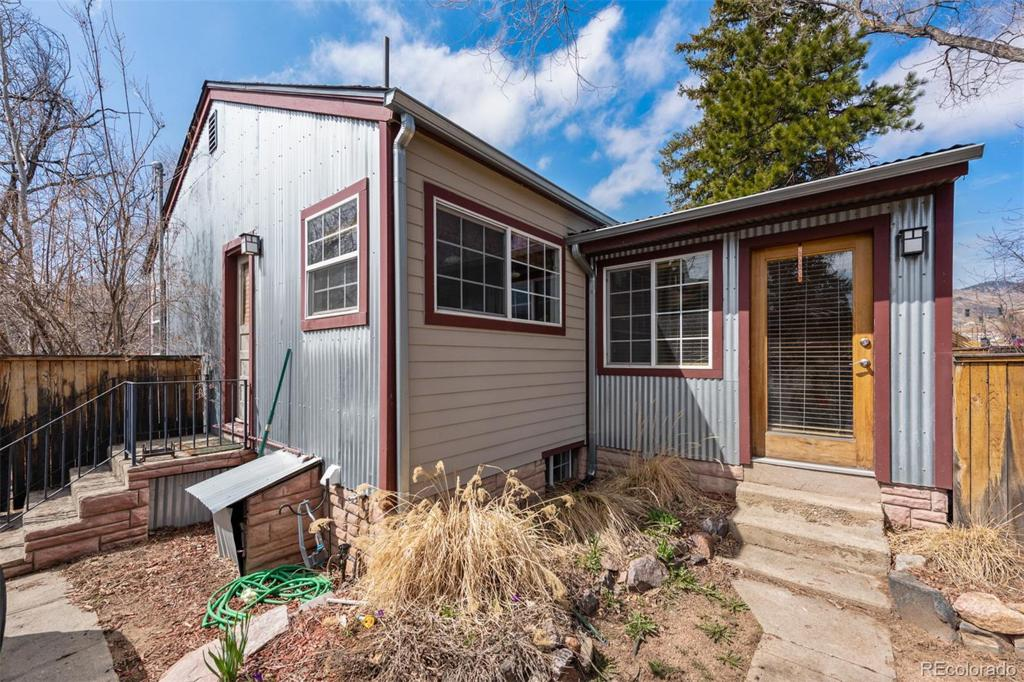 Photo of home for sale at 152 Washington Avenue, Golden CO