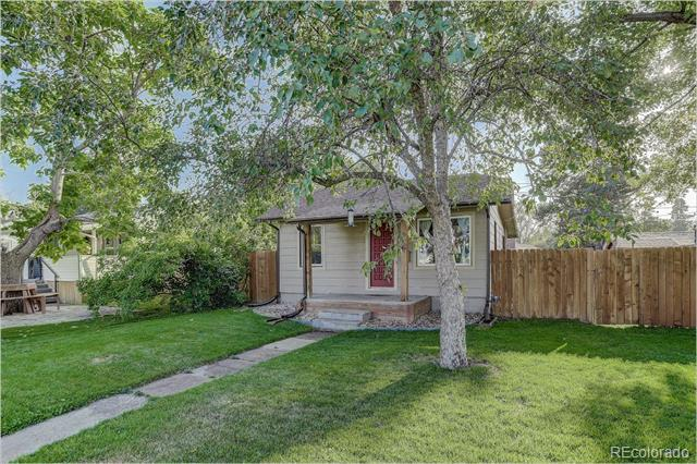 Photo of home for sale at 4186 Lincoln Street South, Englewood CO