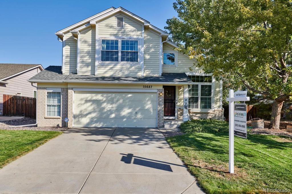 Photo of home for sale at 15687 Quincy Lane E, Aurora CO