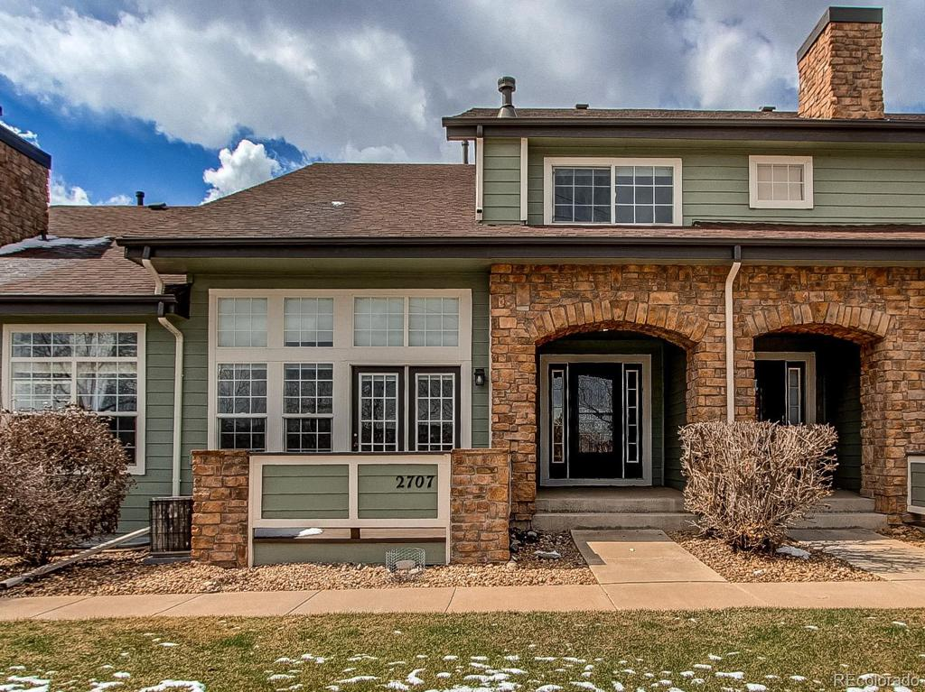 Photo of home for sale at 2707 Greens Drive W, Littleton CO
