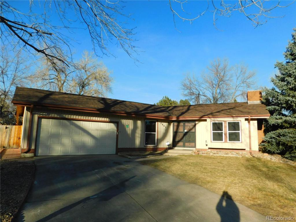 Photo of home for sale at 2803 Oakland Circle S, Aurora CO