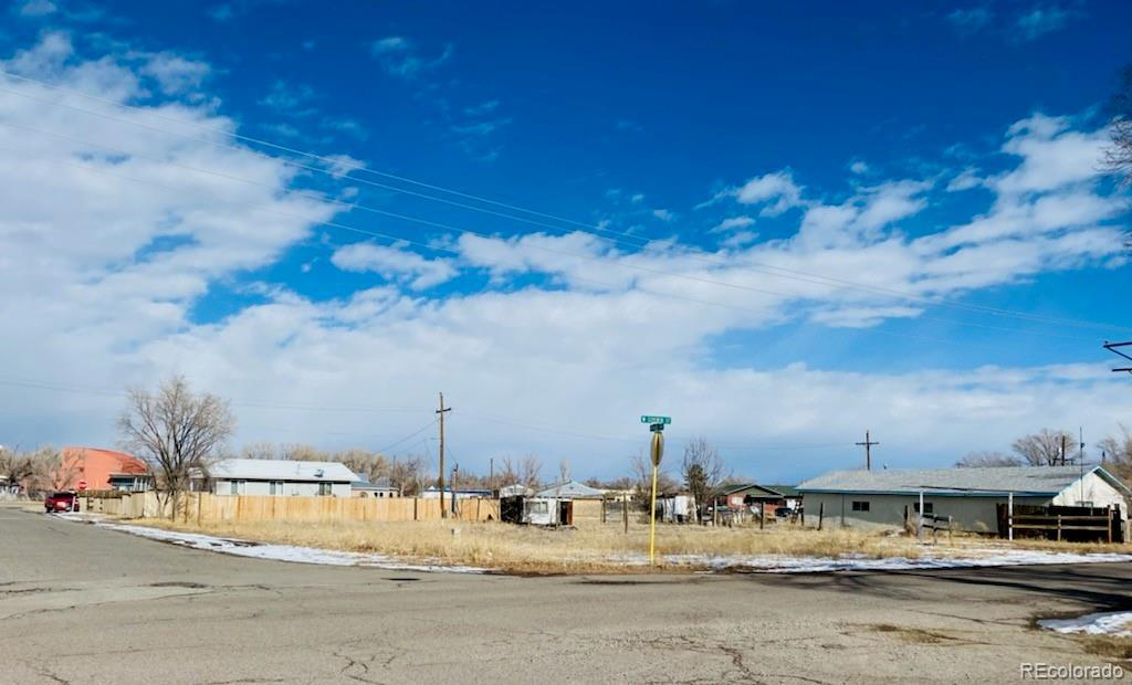 Photo of home for sale at 1427 7th Street, Alamosa CO