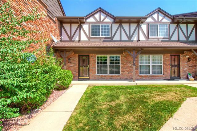 Photo of home for sale at 3825 Monaco Parkway South, Denver CO