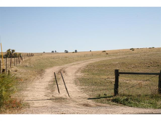 Photo of home for sale at 10 Comanche St Road North, Kiowa CO