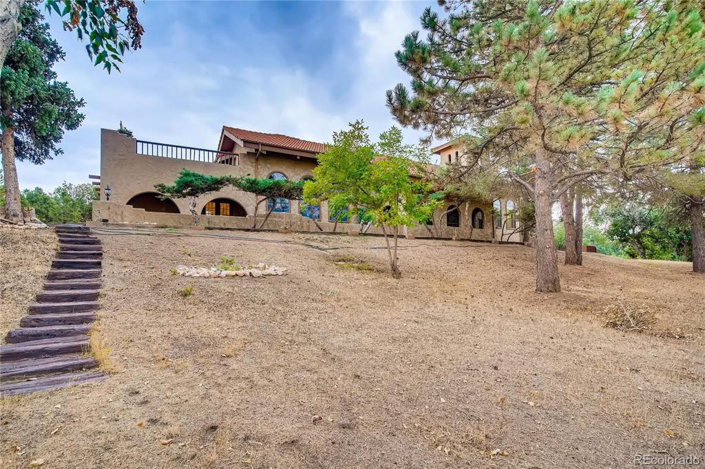Photo of home for sale at 326 OakHills Drive E, Castle Rock CO
