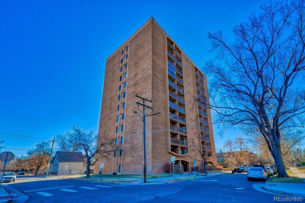 Photo of home for sale at 400 Lafayette Street S, Denver CO