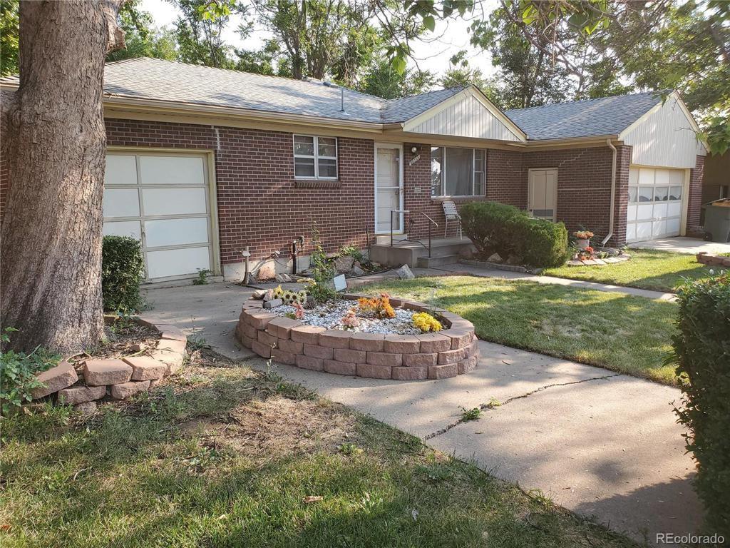 Photo of home for sale at 11622 Downing Street, Northglenn CO