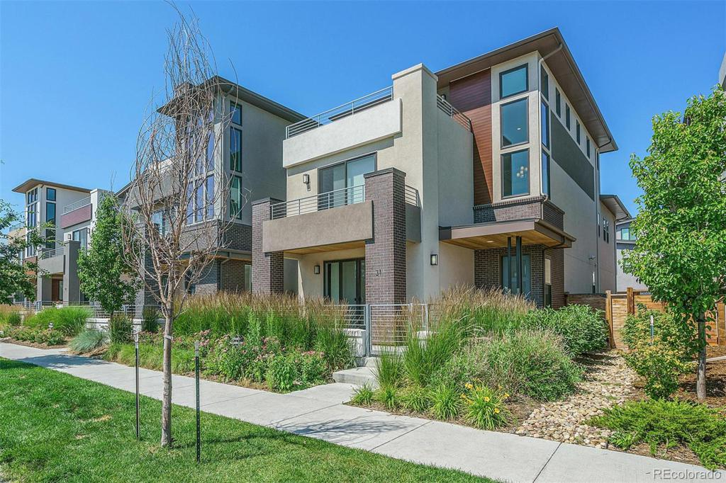 Photo of home for sale at 31 Oneida Court S, Denver CO