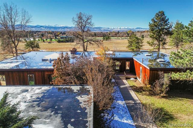 Photo of home for sale at 4140 Quincy Avenue E, Cherry Hills Village CO