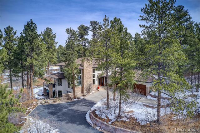 Photo of home for sale at 967 Country Club Parkway, Castle Rock CO