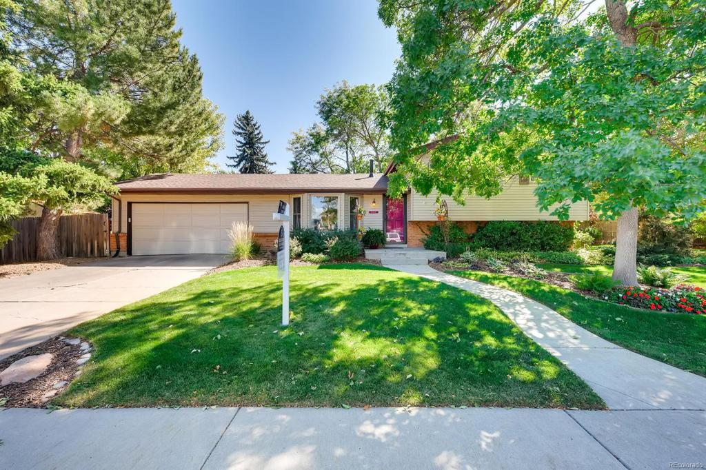 Photo of home for sale at 7236 Dexter Street S, Centennial CO