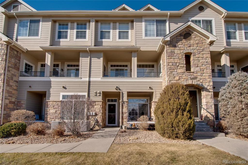 Photo of home for sale at 1540 Florence Way S, Aurora CO