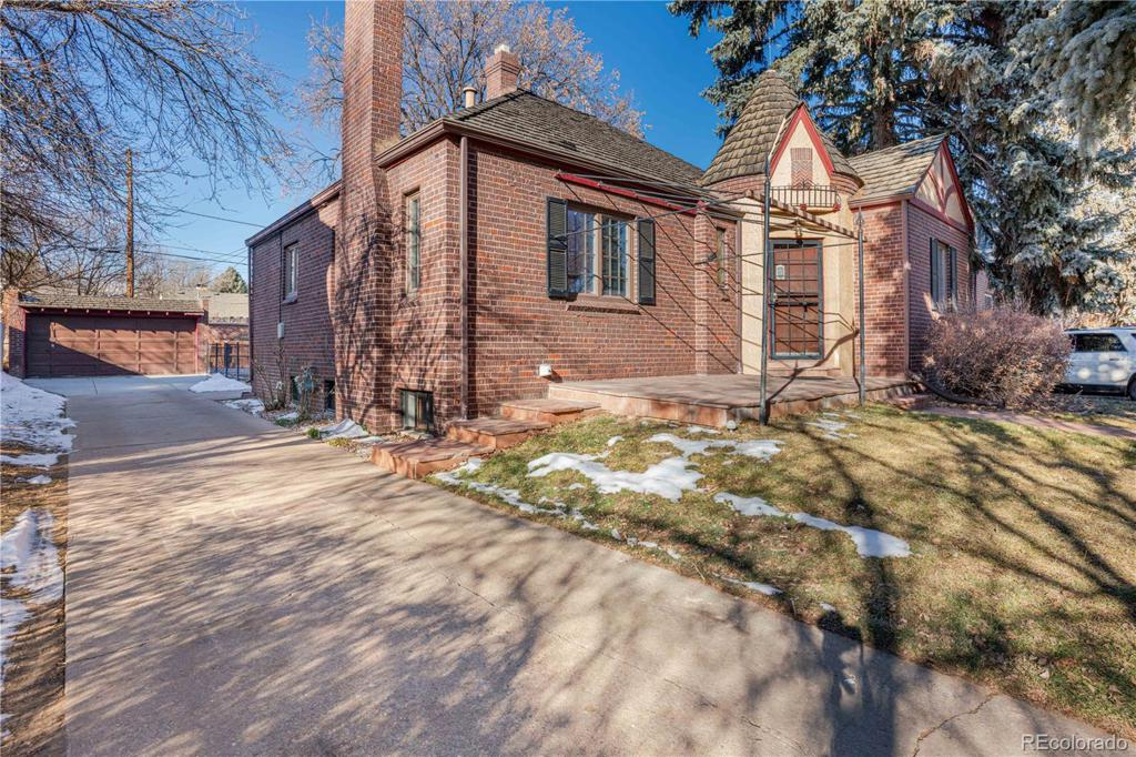 Photo of home for sale at 651 Fairfax Street, Denver CO