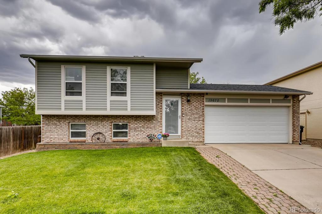Photo of home for sale at 19670 Purdue Place E, Aurora CO