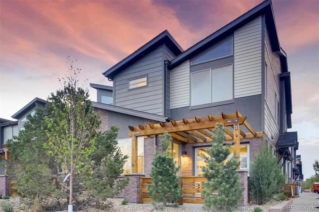 Photo of home for sale at 11665 44th Avenue W, Wheat Ridge CO