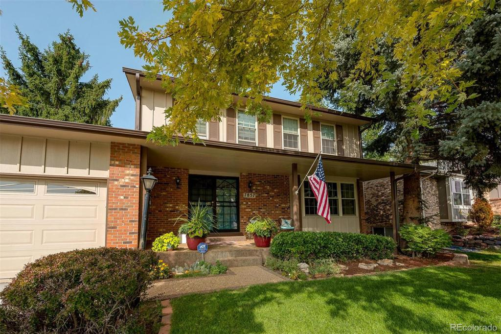 Photo of home for sale at 7857 MAGNOLIA Way S, Centennial CO