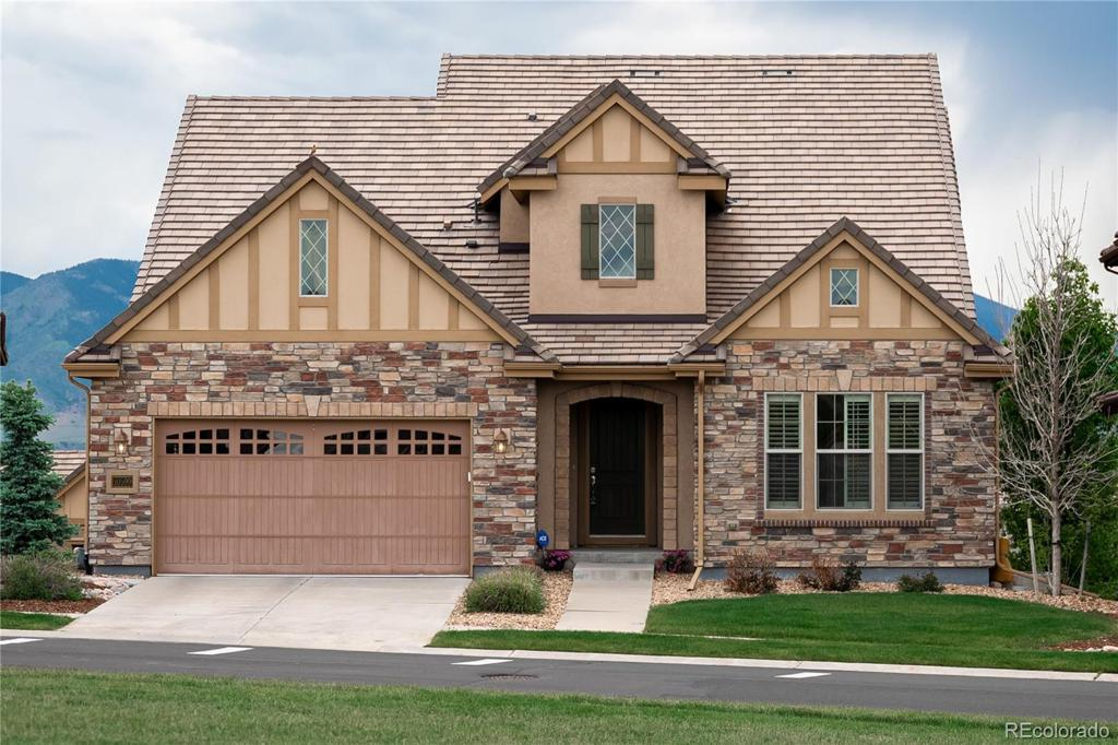 Photo of home for sale at 10599 Sundial Rim Road, Highlands Ranch CO