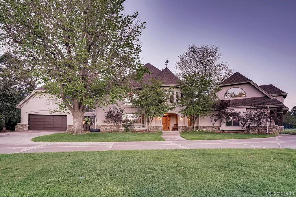 Photo of home for sale at 505 Rangeview Drive, Littleton CO