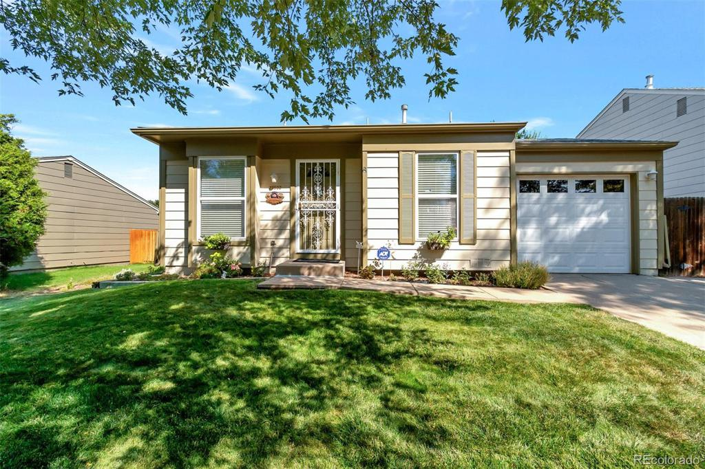 Photo of home for sale at 20053 Coolidge Drive E, Aurora CO