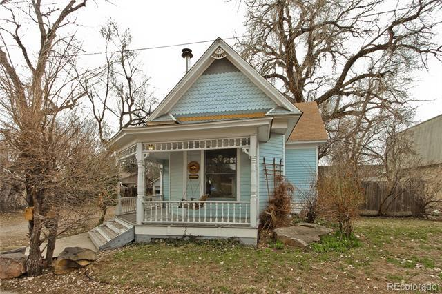 Photo of home for sale at 345 Mountain View Avenue, Longmont CO