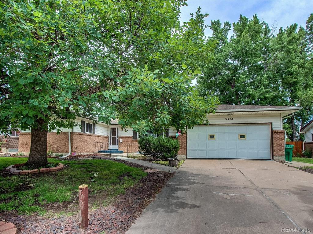 Photo of home for sale at 9415 Kentucky Avenue W, Lakewood CO