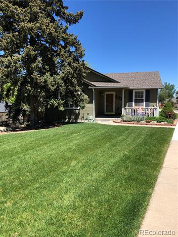 Photo of home for sale at 777 Oxford Avenue W, Englewood CO