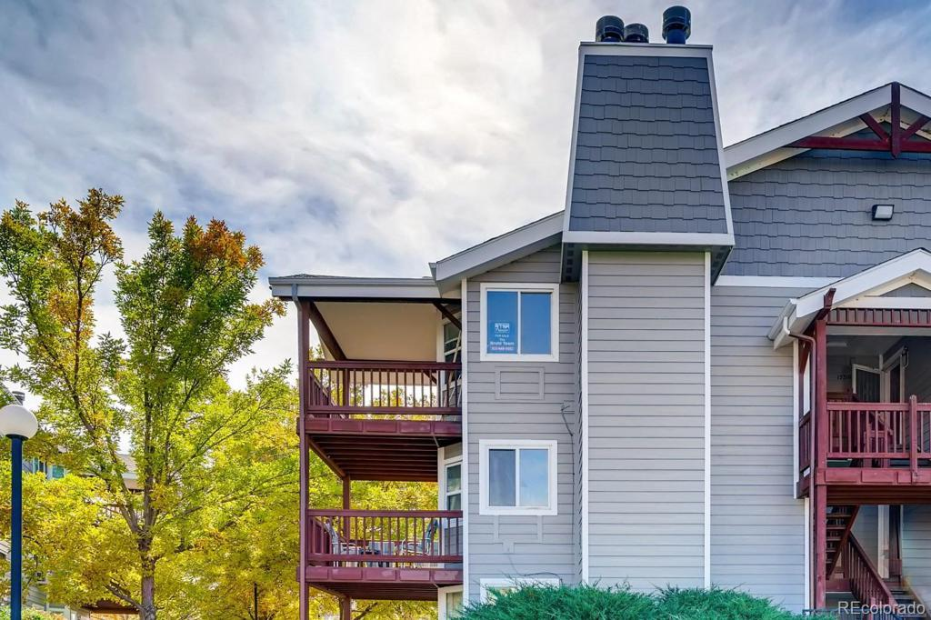 Photo of home for sale at 17600 Loyola Drive E, Aurora CO