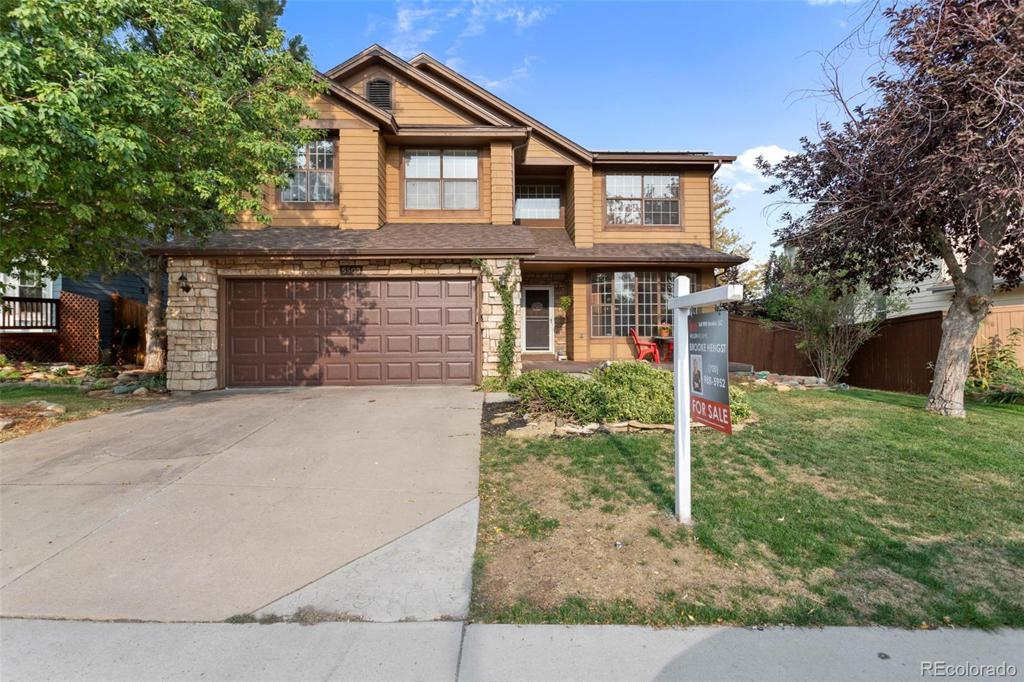Photo of home for sale at 5509 Wickerdale Lane, Highlands Ranch CO