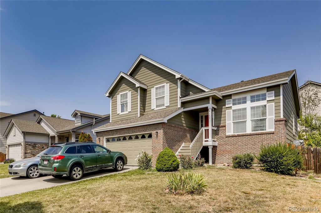 Photo of home for sale at 19157 Harvard Drive E, Aurora CO