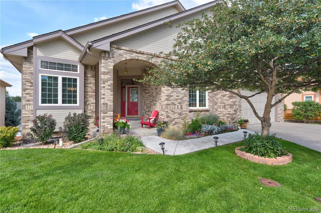 Photo of home for sale at 5901 Lehigh Avenue W, Denver CO