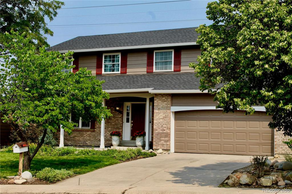 Photo of home for sale at 17357 Asbury Circle E, Aurora CO