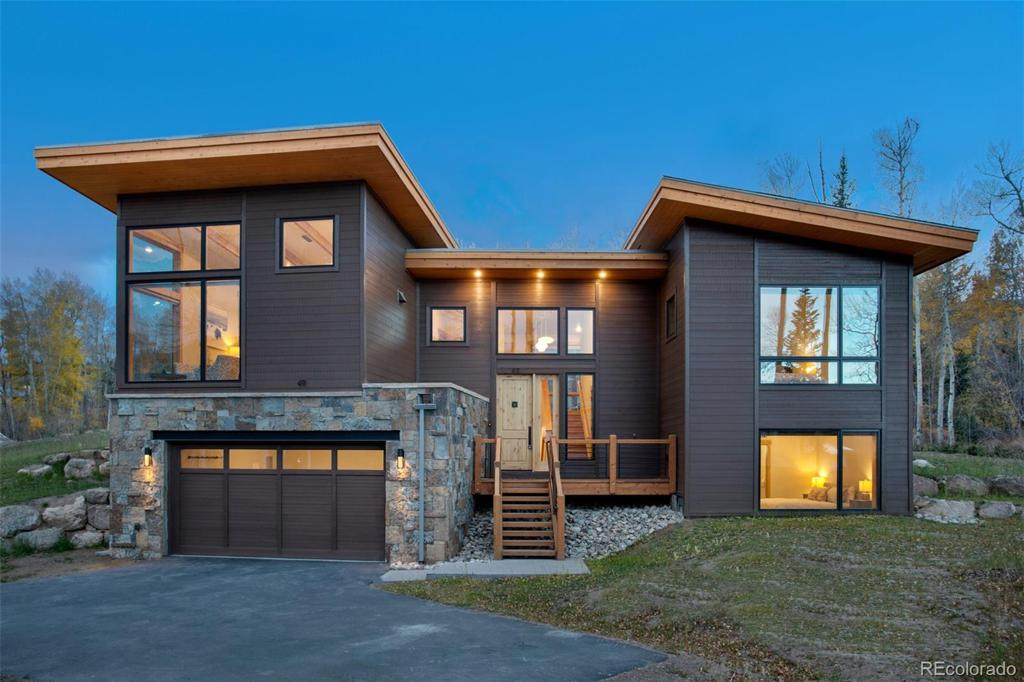 Photo of home for sale at 11 Glazer Trail, Silverthorne CO