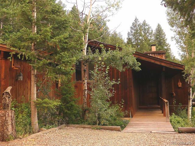 Photo of home for sale at 279 Forrest Lane, Boulder CO