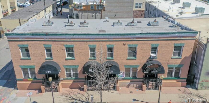 Photo of home for sale at 919 & 911 Park Avenue West., Denver CO