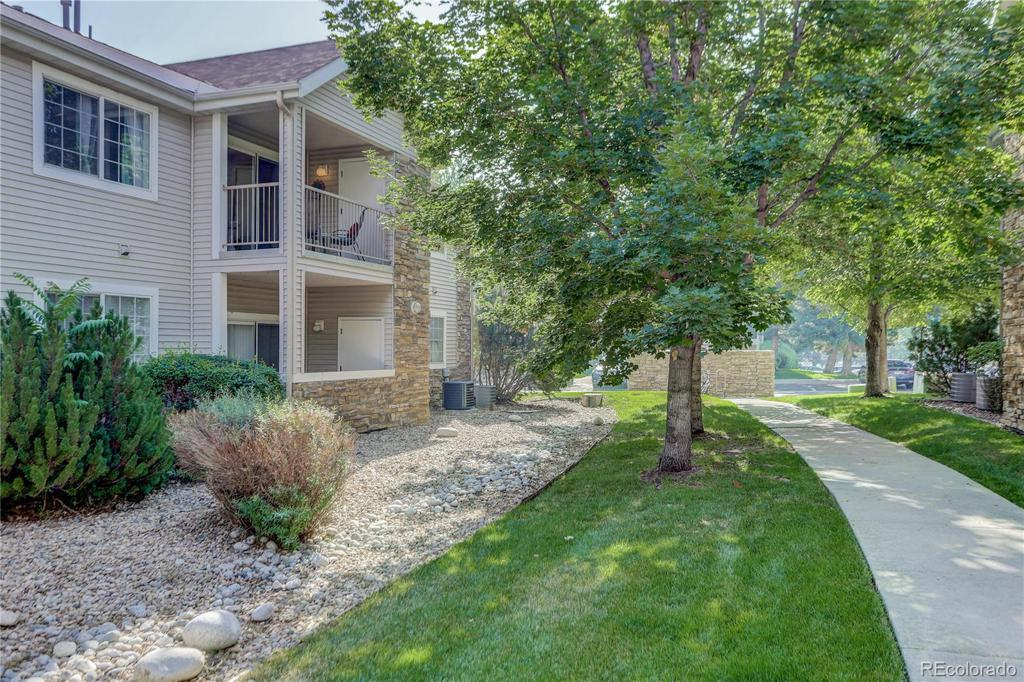 Photo of home for sale at 5581 76th Avenue W, Arvada CO