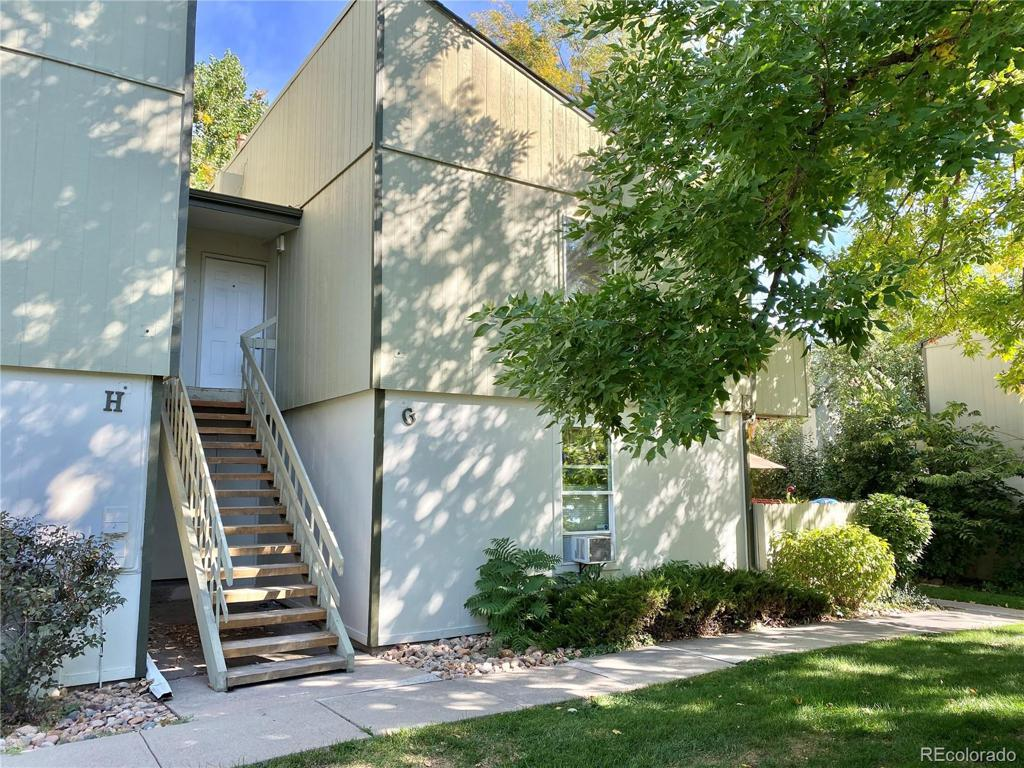 Photo of home for sale at 7373 Florida Avenue W, Lakewood CO