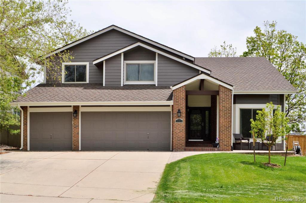 Photo of home for sale at 1494 Arrowhead Road, Highlands Ranch CO
