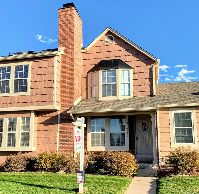 Photo of home for sale at 16971 Chenango Avenue E, Aurora CO