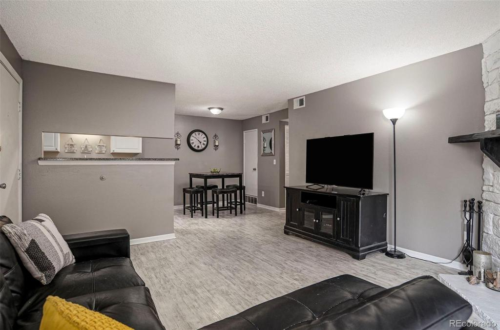 Photo of home for sale at 13302 Jewell Avenue E, Aurora CO