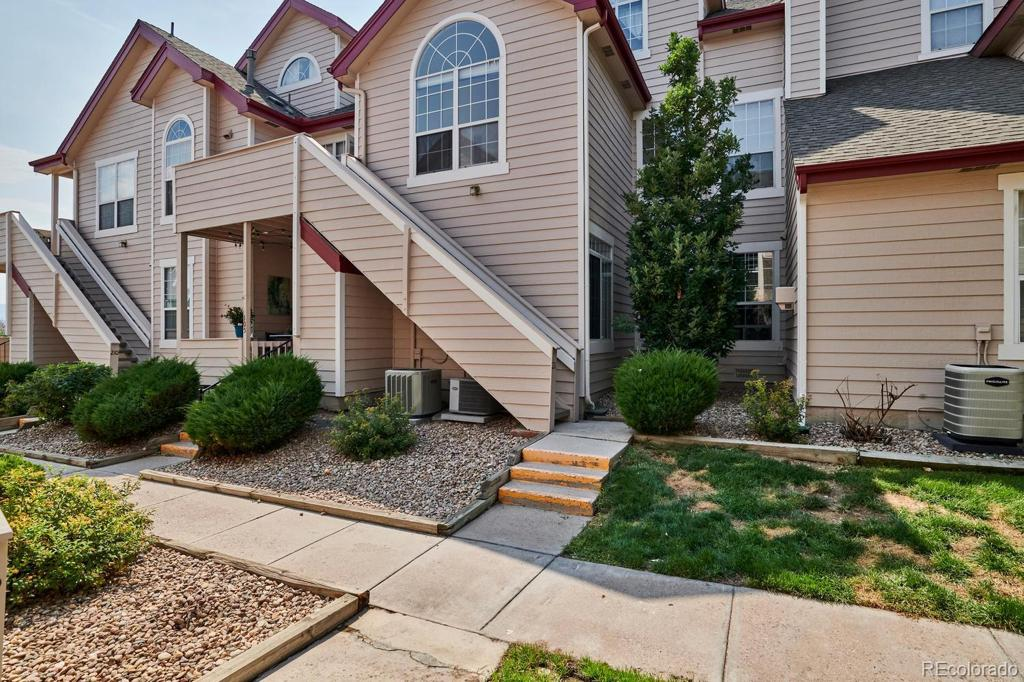 Photo of home for sale at 8391 Upham Way S, Littleton CO