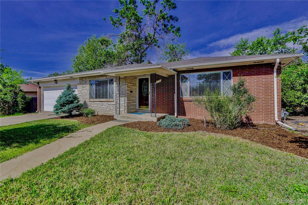Photo of home for sale at 325 Kohl Street, Broomfield CO