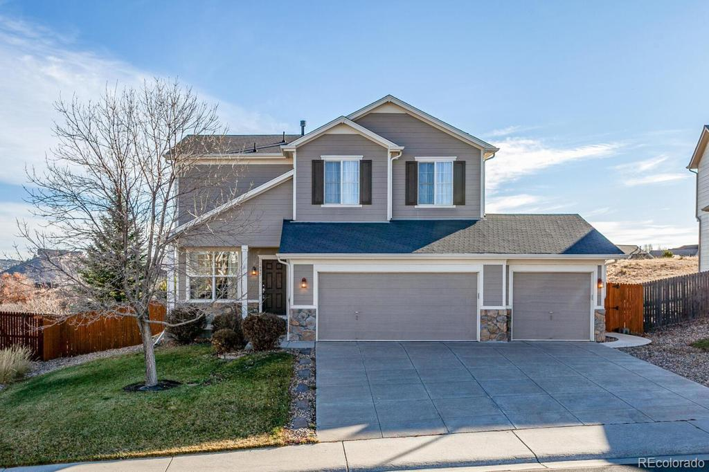 Photo of home for sale at 1695 Granger Circle, Castle Rock CO