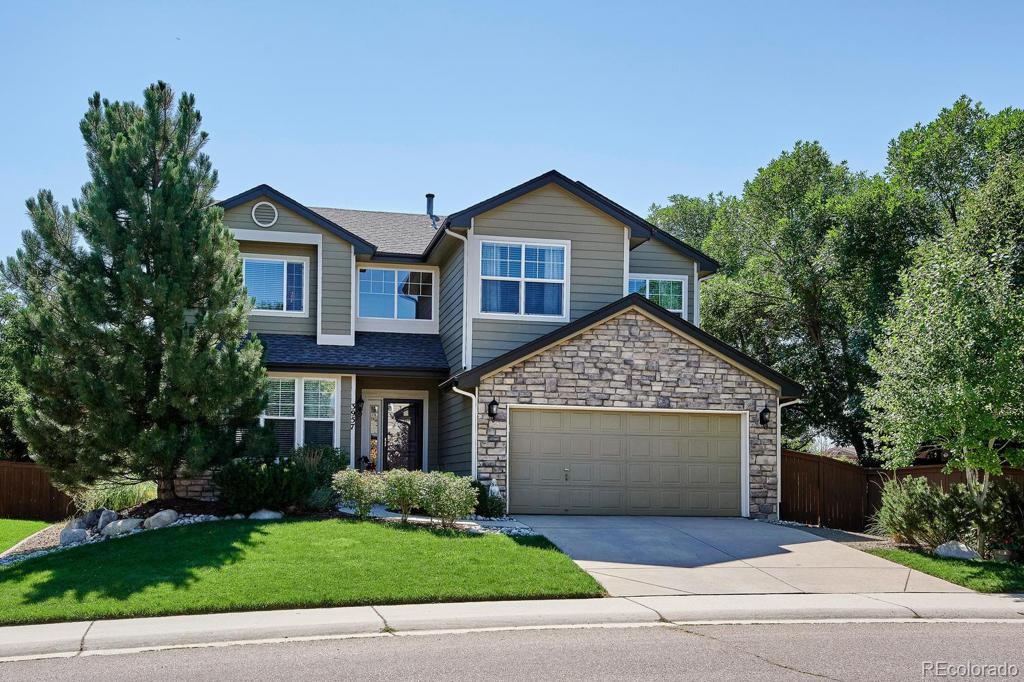 Photo of home for sale at 3957 Mallard Lane, Highlands Ranch CO