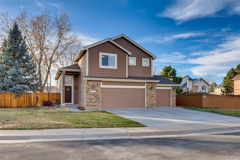 Photo of home for sale at 18758 Whitaker Circle E, Aurora CO