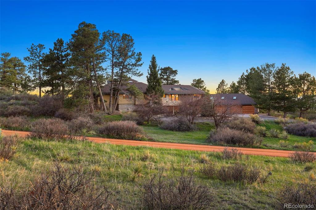 Photo of home for sale at 7500 Sunset Trail E, Parker CO