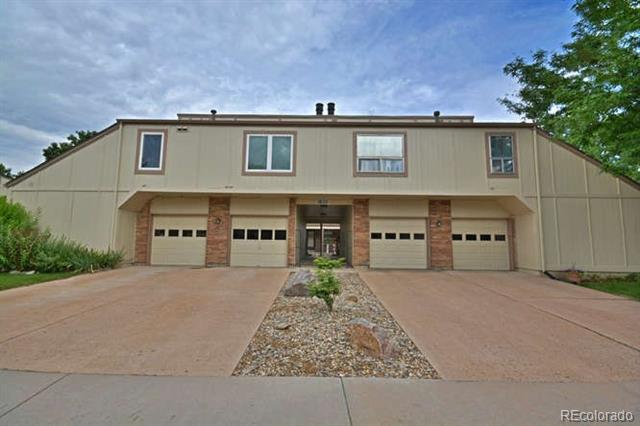 Photo of home for sale at 1832 Lee Street South, Lakewood CO