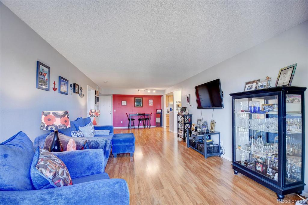 Photo of home for sale at 481 Kalispell Way S, Aurora CO