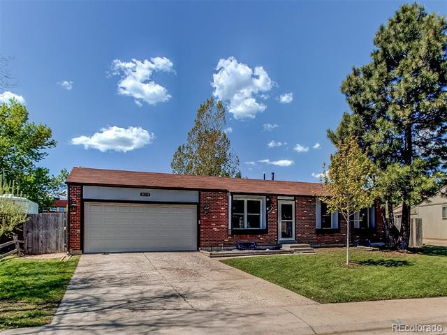 Photo of home for sale at 16334 Layton Avenue E, Aurora CO